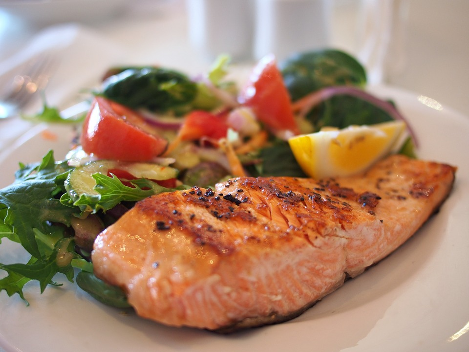 salmon, healthy hair, food for healthy hair