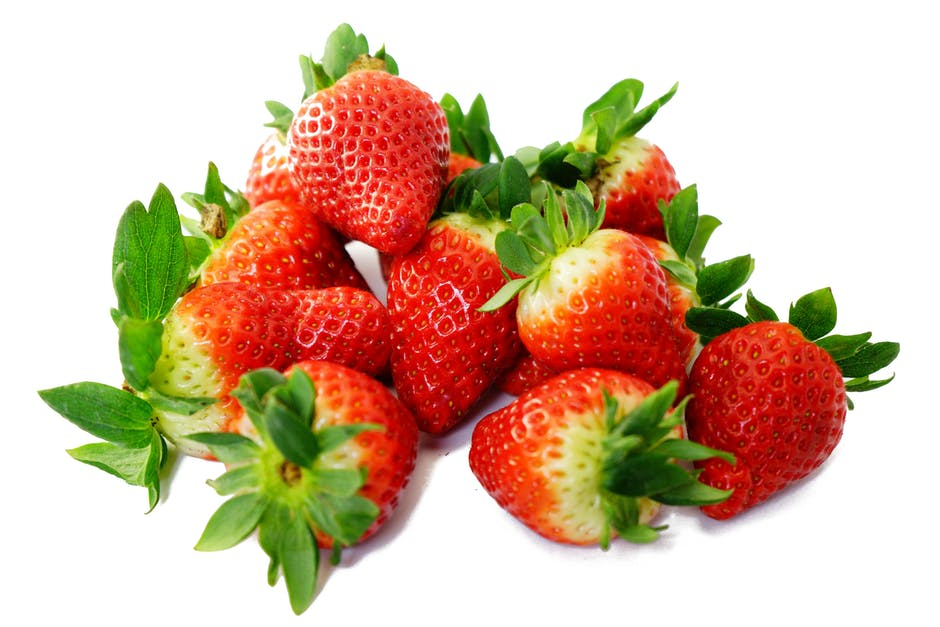 Strawberry for glowing skin, fruits for glowing skin, fruits good for skin glow, what fruits are good for skin, which fruit is good for skin glow