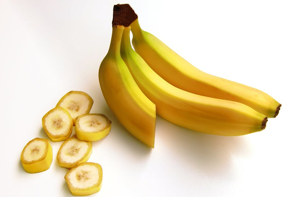 Bananas for glowing skin, fruits for glowing skin, fruits good for skin glow, what fruits are good for skin, which fruit is good for skin glow