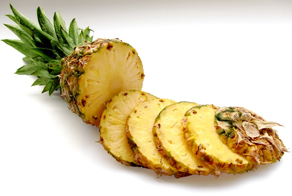 Pineapple for glowing skin, fruits for glowing skin, fruits good for skin glow, what fruits are good for skin, which fruit is good for skin glow