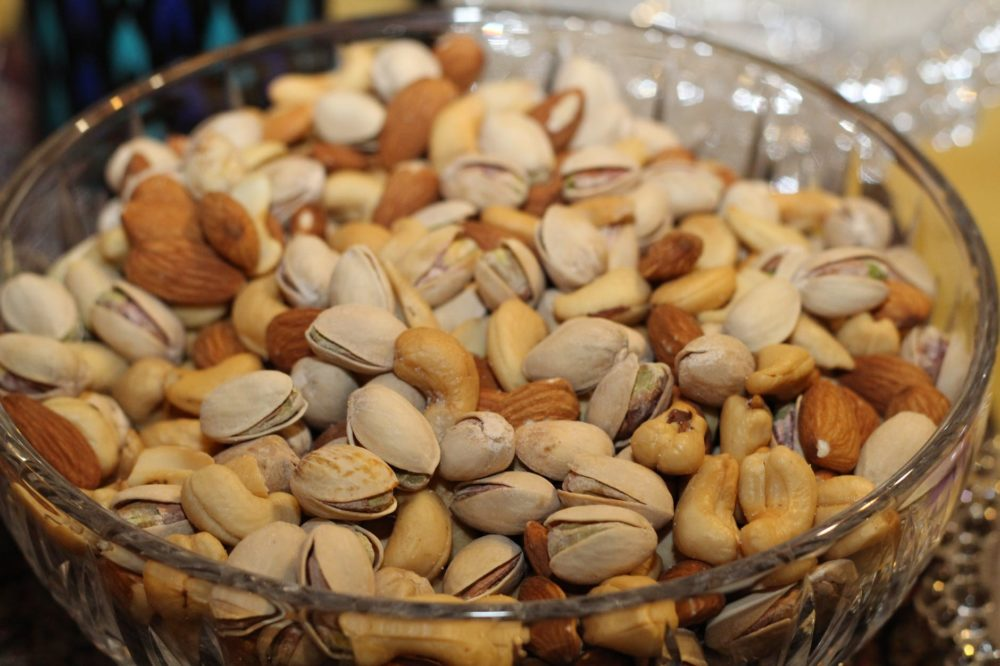 Nuts to gain weight, Nuts for weight gain, best foods to gain weight, foods to gain weight, healthy foods to gain weight fast, weight gain foods