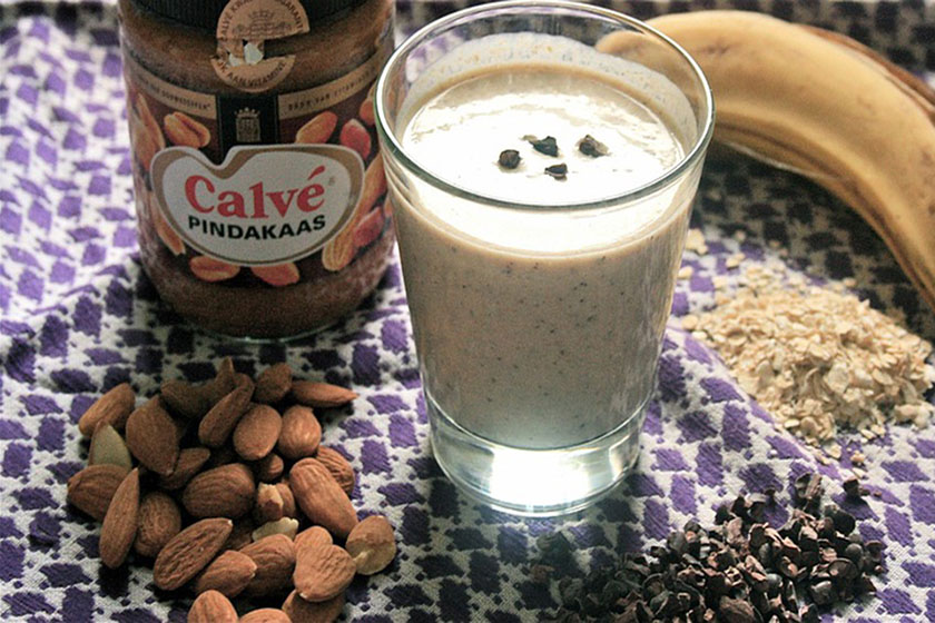 Protein smoothie to gain weight, Protein smoothie for weight gain, best foods to gain weight, foods to gain weight, healthy foods to gain weight fast, weight gain foods