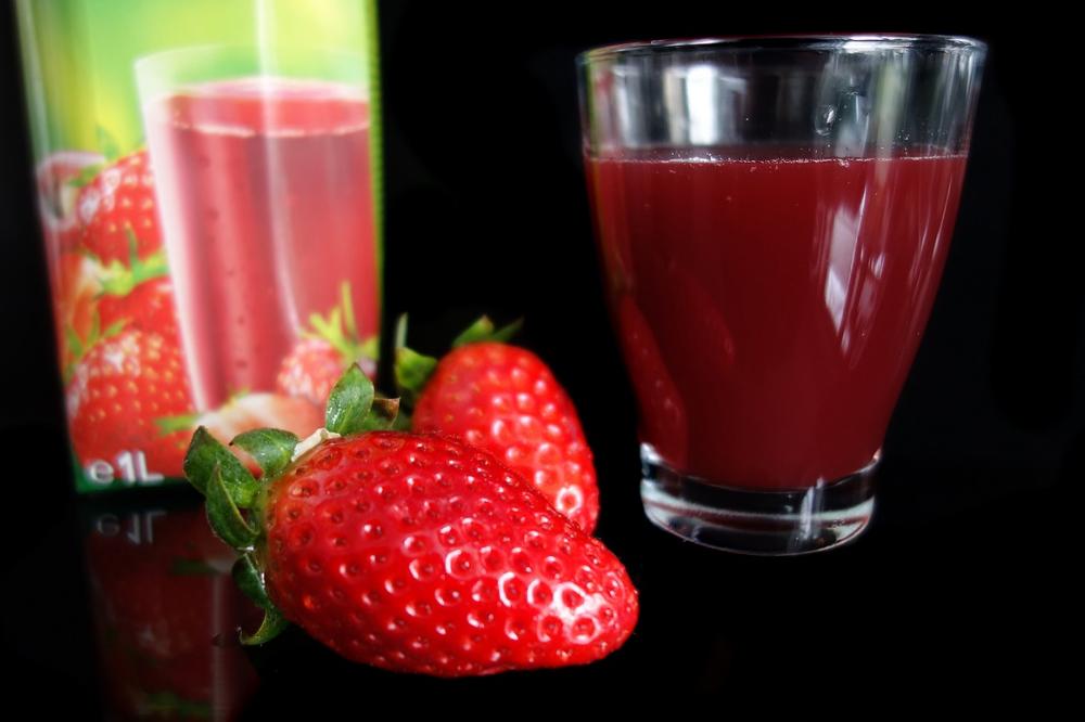 best Strawberry Juice for glowing skin, best Strawberry Juice for skin, Strawberry Juice for glowing skin, Strawberry Juice for healthy skin, Strawberry Juice for healthy and glowing skin