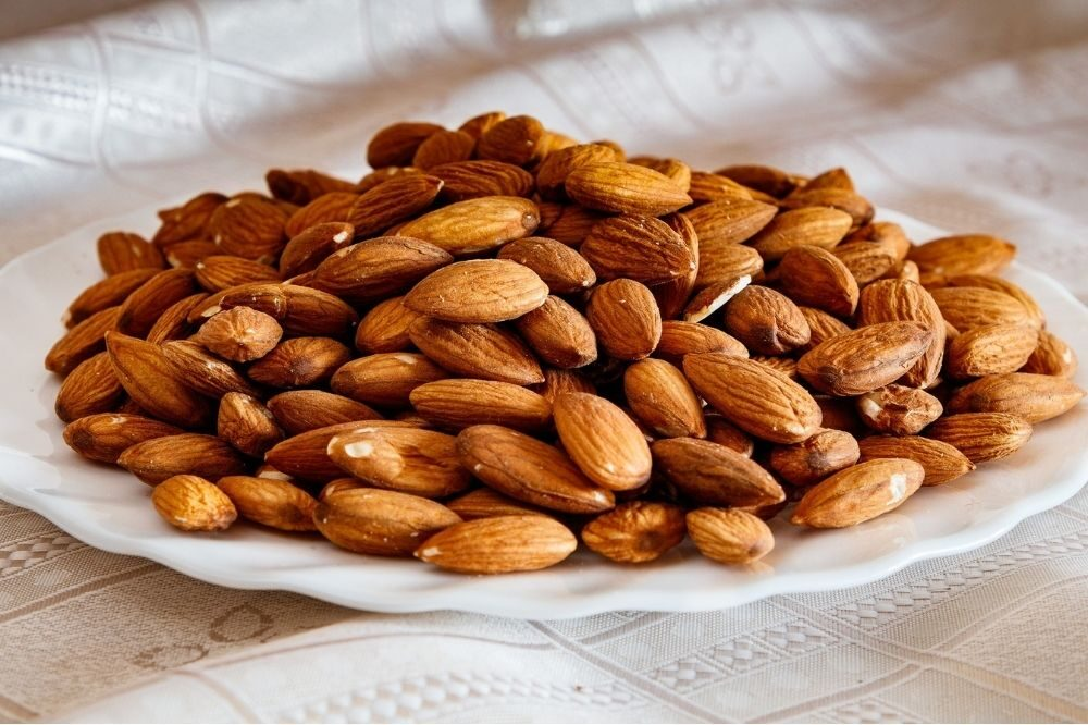 Honey With Almonds And Lemon Juice